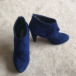 Steve Madden cuddles ankle booties